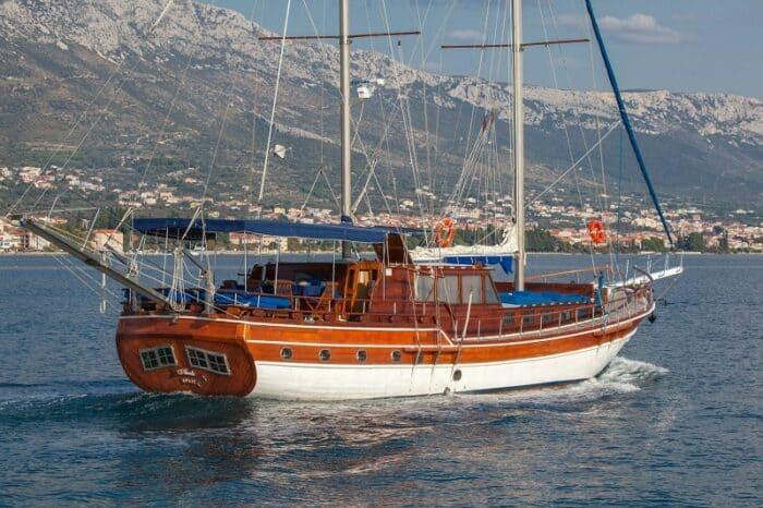 gule-andi-charter-croatia-rental